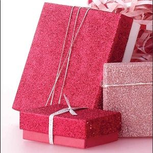 Gift Mystery box for you !